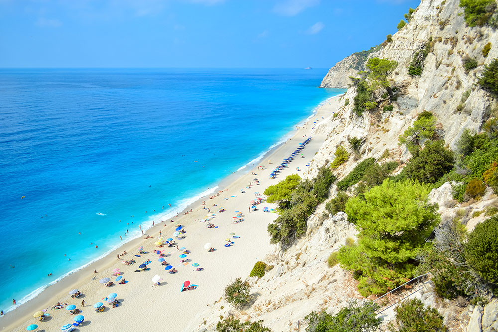 Greece hopes to open to tourists from May 14th